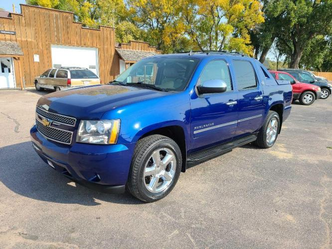 2013 BLUE CHEVROLET AVALANCHE LTZ (3GNTKGE72DG) with an 5.3L engine, Automatic transmission, located at 495 Old Highway 20 West, South Sioux City, NE, 68776, (402) 494-2677, 42.458408, -96.443512 - Photo #0